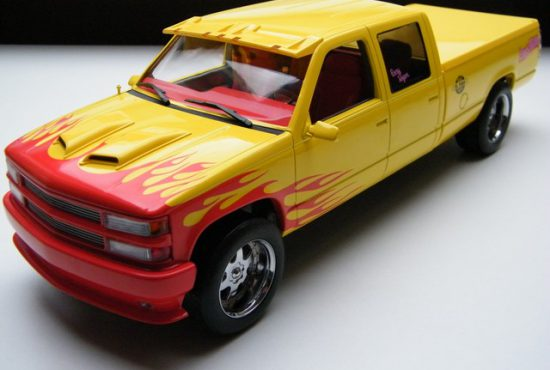Chevrolet-Silverado-KILL-BILL-RAYS-AUTOS-MODELAUTOS (1)