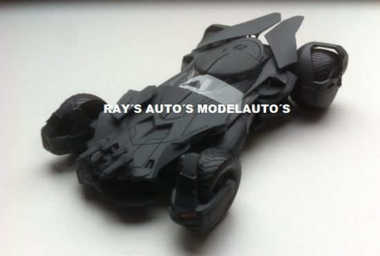 a01_batmobile-batman-vs-superman-modelauto-124-schaalmodel-rays-autos (1)