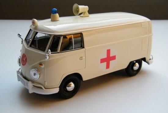 ambulance-t1-volkswagen-bus-1950-modelauto-miniatuur-rays-autos-modelautos-1 (1)