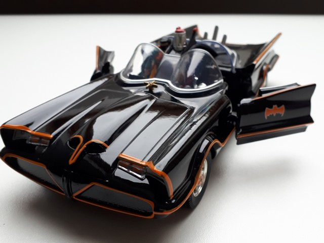batmobile-batman-robin-modelauto-schaalmodel-miniatuur-raysautos-amersfoort-filmauto-moviecar-1 (1)