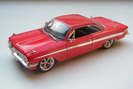 chevrolet_impala_fast_and_furious_8_modelauto_schaalmodel_rays_autos_1 (1)