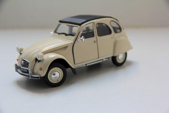 modelauto-citroen-2cv-miniatuur-welly-schaalmodel-rays-autos-amersfoort-1 (1)