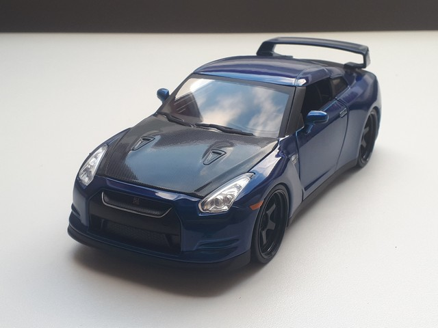 nissan-skyline-gtr-r35-modelauto-miniatuur-schaalmodel-rays-autos-modelautos-amersfoort-124-fast-furious-1 (1)