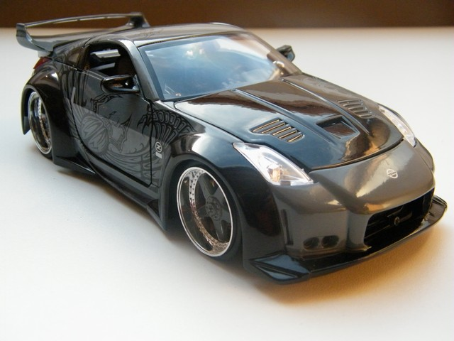 nissan_350z_fast_and_furious_8_modelauto_jada7toys_schaalmodel_rays_autos_1 (2)