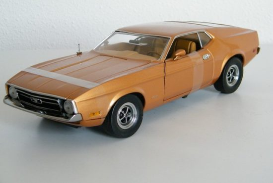 schaalmodel_modelauto_ford_mustang_1971_sportroof_raysautos_1 (2)